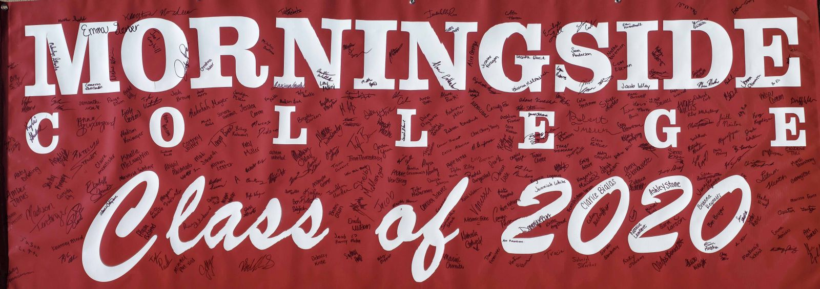 class of 2020 freshmen signatures banner photo