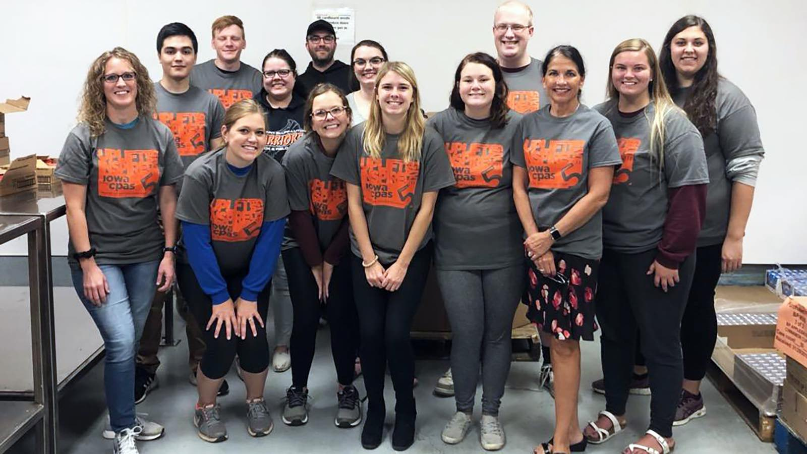 The Morningside College Accounting Club volunteering at the Siouxland Food Bank.
